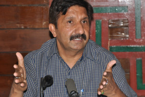राहुल गांधी ने चुना मुकेश अग्निहोत्री को नेता प्रतिपक्ष