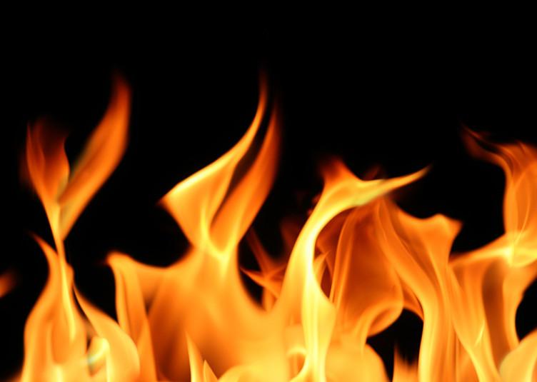 सैंज: दुकान में लगी आग, लाखों का नुकसान