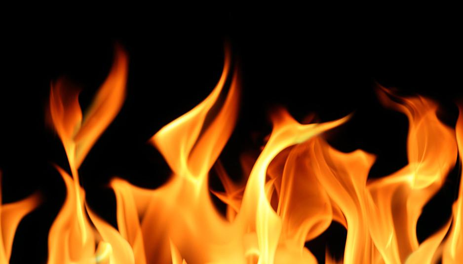 बिलासपुर: आग लगने से दो मकान जलकर राख
