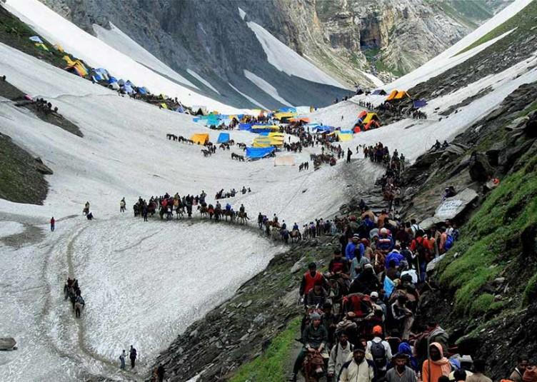 अमरनाथ यात्रियों से भरी बस जम्मू के बनिहाल में खाई में गिरी, 16 की मौत, कई जख्मी