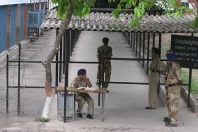 प्रदेश में आदर्श आचार संहिता के मद्देजर पुलिस व आबकारी विभाग की पैनी नजर