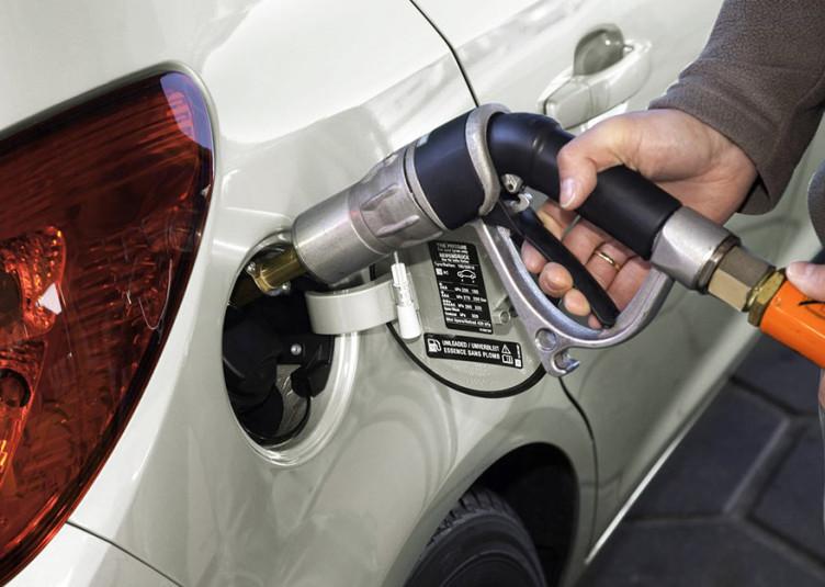 हिमाचल: 5 रुपए सस्ता हुआ पेट्रोल-डीजल