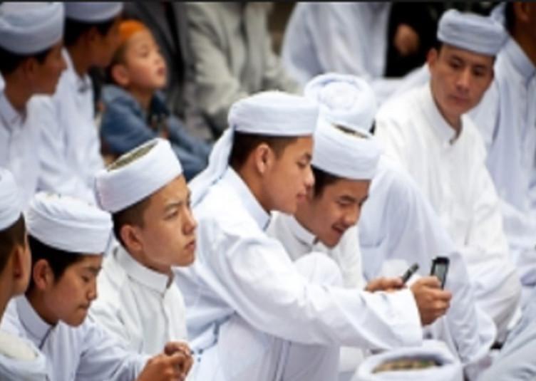 सर्वे: इस्लाम के प्रति बढ़ रहा है युवा चीनियों का रुझान