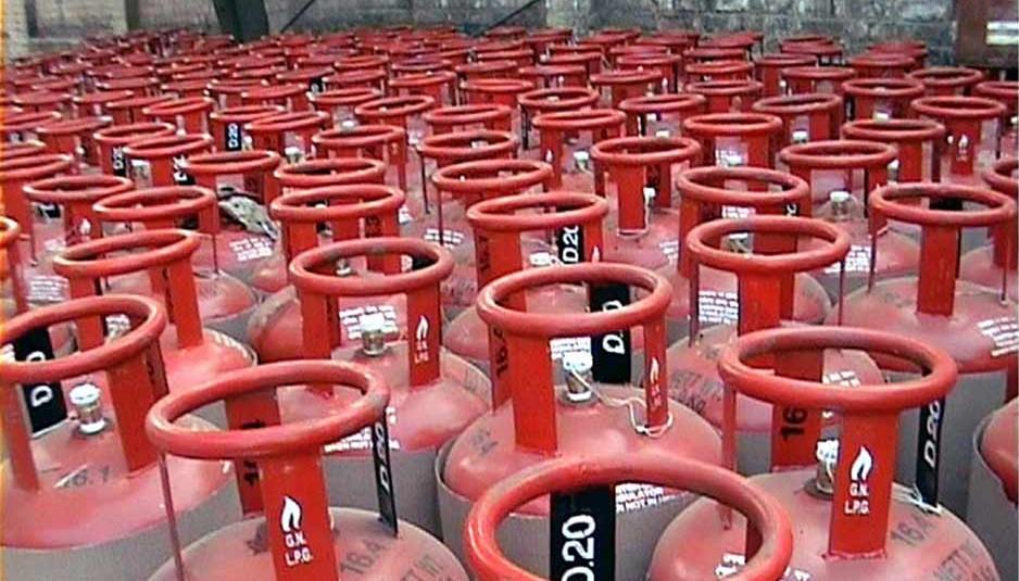 हिमाचल: घरेलू गैस सिलिंडर सस्ता और व्यावसायिक हुआ महंगा..