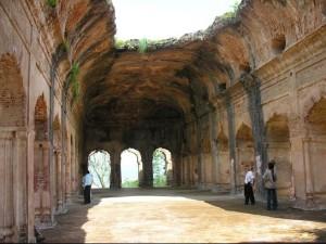 सुजानपुर किला - अन्दर का दृश्य