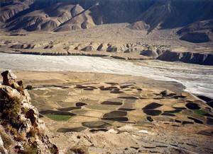 चमचमाती झीलें, बर्फ की चादर ओढ़े पर्वत, पर्यटकों को खींच लाते हैं किब्बर