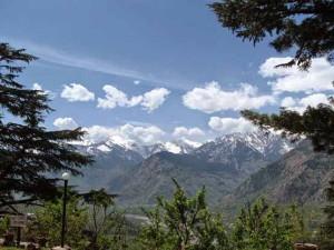हिमाचल की हसीन वादियों को निहारने पर्यटक दूर-दूर से हैं आते