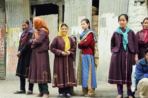 किब्बर के लोगों का पहनावा निराला