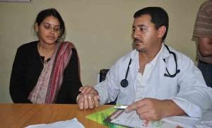 गर्भावस्था की पहली अवस्था से गर्भवती महिला गाईनिकॉलोजिस्ट डॉक्टर के पास जाकर अपनी पूरी स्थिति से अवगत कराएं