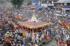 ढालपुर मैदान में अब लकड़ी के आसनों पर विराजमान होंगे देवी-देवता : राकेश कंवर