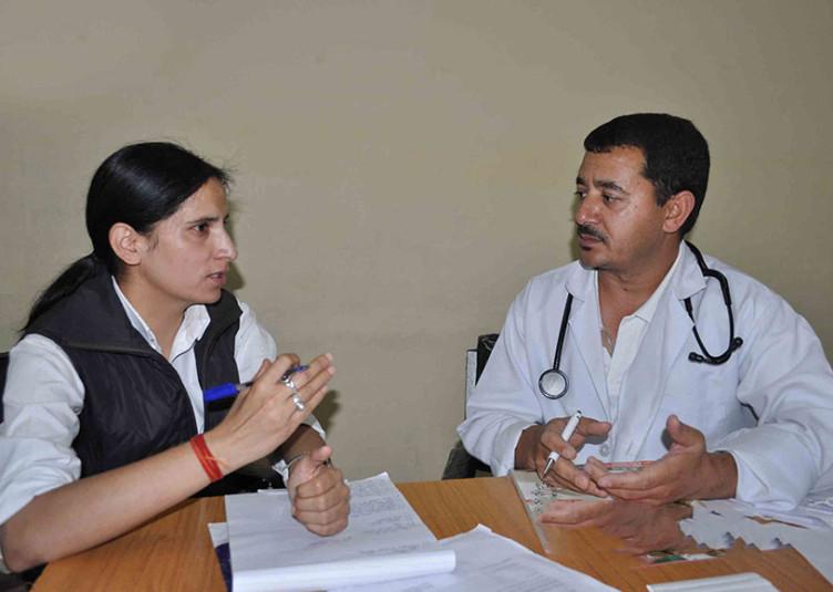गर्भावस्था की पहली अवस्था से गर्भवती महिला बताएं गाईनिकॉलोजिस्ट डॉक्टर के पास जाकर अपनी पूरी स्थिति : डॉ. सुभाष