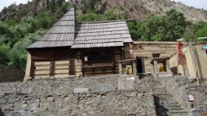 कश्मीरी कन्नौज शैली में बना है मंदिर