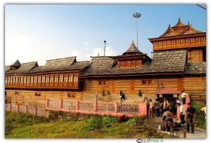 """हिन्दू-बौद्ध शैलियों का संगम सराहन का """"भीमाकाली मन्दिर"""""""