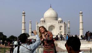 विदेशी पर्यटकों के आगमन में 18.1 प्रतिशत का इजाफा, ई-पर्यटक वीजा पर 67.3 प्रतिशत की वृद्धि
