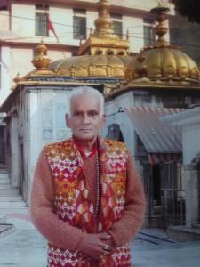 """ज्वालामुखी मंदिर में 55 वर्षों से माँ की सेवा कर रहे """"पंडित उदय कुमार"""" जी"""