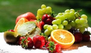 गर्मी के मौसम में तले भुने,गरिष्ठ और ज्यादा मसालेदार पदार्थों की बजाय फल फ्रूट, हरी सब्जियों के सलाद और जूस का ज्यादा इस्तेमाल करना बेहद फायदेमंद
