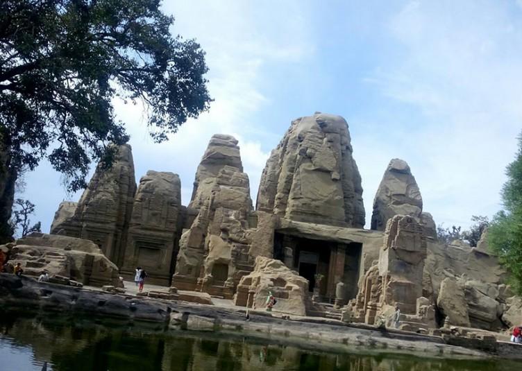 पांडवों ने अपने अज्ञातवास के दौरान किया था मसरूर मंदिर का निर्माण
