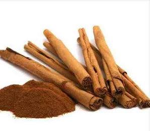 दालचीनी चाय : इसका एंटी बैक्टीरियल तत्व मुंह के बैड बैक्टीरिया से लड़ने का काम करता है