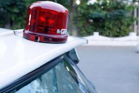 मुख्य सचिव की गाड़ी को फ्लैशर सहित लाल बत्ती