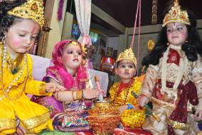 """""""हिम शिमला लाइव"""" परिवार की तरफ से समस्त देशवासियों को जन्माष्टमी की ढ़ेरों शुभकामनाएं"""