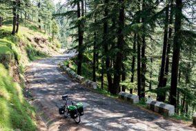 हिमाचल ने केन्द्र सरकार को सौंपा 1200 करोड़ का सड़क प्रस्ताव, जिसमें सड़कों व पुलों की कुल 318 परियोजनाएं शामिल