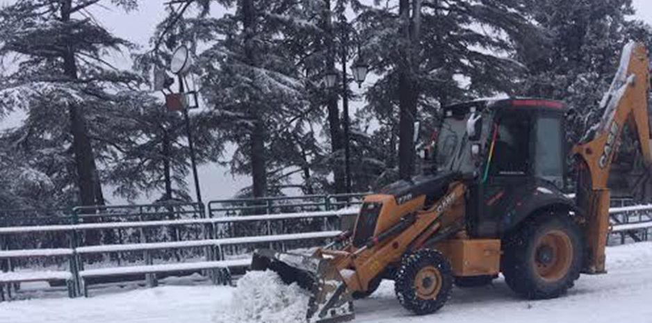 बर्फबारी से निपटने के लिए जिला प्रशासन शिमला ने किए व्यापक प्रबंध