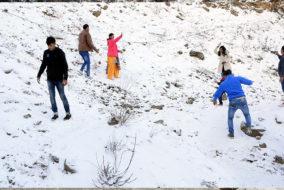 हिमाचल में कल से बिगड़ सकता है मौसम का मिजाज, बारिश व बर्फबारी आसार