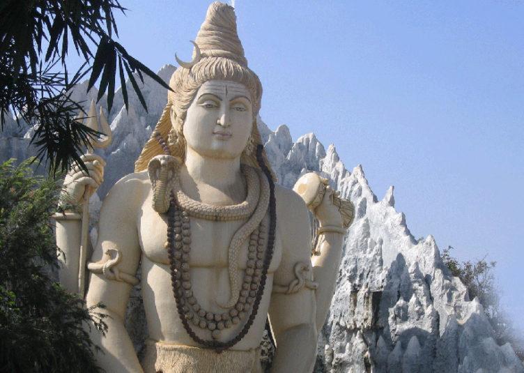 भगवान शिव के आंसुओं से हुई थी रुद्राक्ष की उत्पत्ति