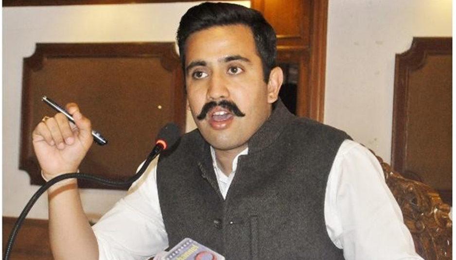 पूर्व वीरभद्र सिंह सरकार के कार्यकाल में हुए शिलान्यासों पर अपनी पटिका लगा रही जयराम सरकार : विक्रमादित्य
