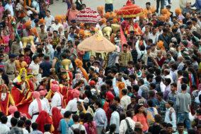 'मेस्मराजिंग मंडी' उत्सव का पारम्परिक 'जलेब' से उद्घाटन