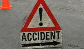 रामपुर : कार दुर्घटनाग्रस्त, दो लोगों की मौके पर मौत
