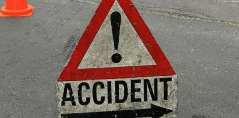 ठियोग: सेब से भरा ट्रक दुर्घटनाग्रस्त, चालक को मिली मौके पर मौत