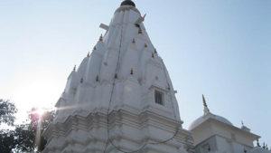 श्री ब्रजेश्वरी देवी मन्दिर की प्रतिष्ठा के सम्बंध में पुराणों में वर्णित गाथाओं के अनुसार यहां सती वज्र रूप में अवतरित हुई