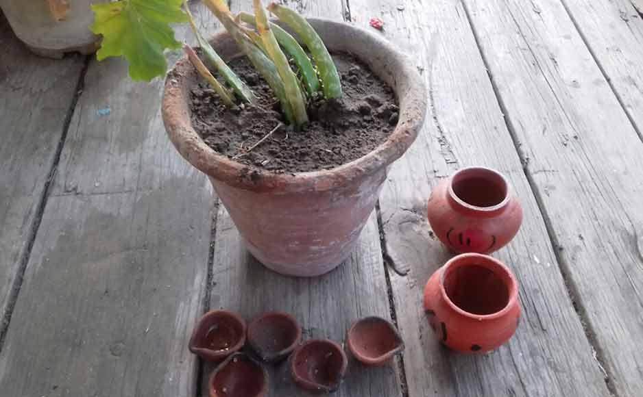 आधुनिकता की दौड़ में भी मिट्टी के बर्तनों का अपना महत्व