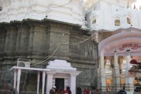 """कांगड़ा में स्थित प्रसिद्ध शक्तिपीठ """"श्री ब्रजेश्वरी देवी मंदिर"""""""