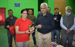 डीसी शिमला ने किया विजेताओं को सम्मानित