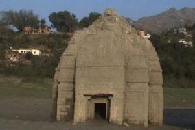 पुर्नस्थापित पुनर्स्थापित होंगे झील में डूबे शताब्दियों पुराने मंदिर
