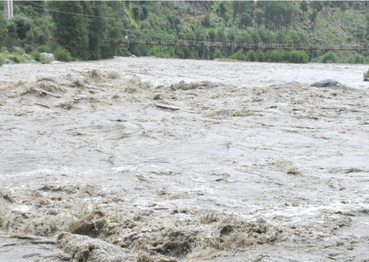 हिमाचल: भारी बारिश के चलते इस जिले में मंगलवार को भी रहेगा अवकाश घोषित