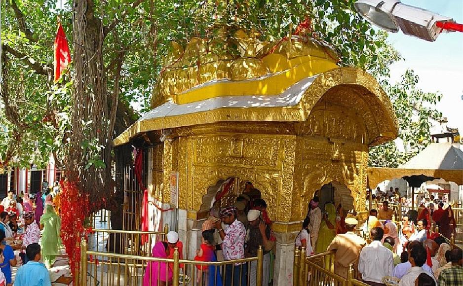 """शिवालिक पर्वत श्रृंखलाओं के आंचल में बसा, स्वर्ण कलशों से सुसज्जित मंदिर """"माँ चिंतपूर्णी"""""""