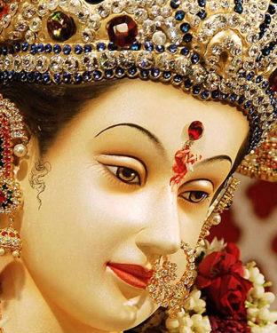 नवरात्रि के 9 दिनों में मां दुर्गा के नौ रूपों की पूजा व महत्व