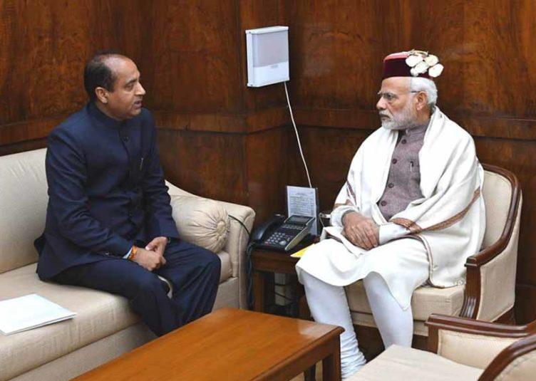 मुख्यमंत्री ने प्रधानमंत्री को दिया धर्मशाला आने का निमंत्रण
