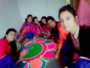 लड़कियों का पसंदीदा क्षेत्र फैशन डिजाइनिंग