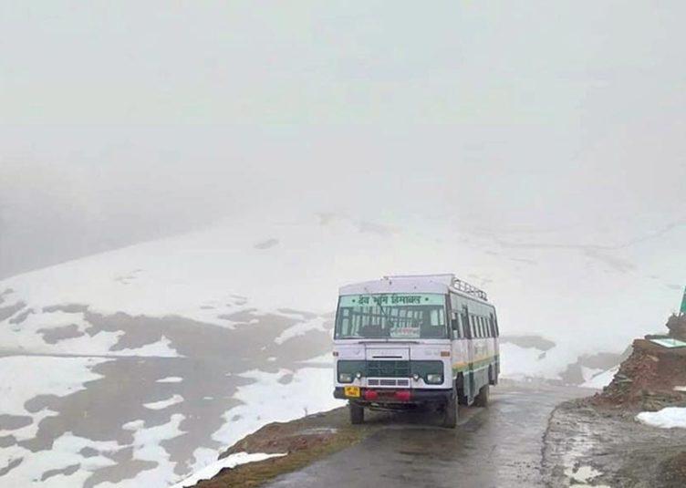 आठ माह बाद फिर दौड़ी दिल्ली-केलांग-लेह रूट पर निगम की बस