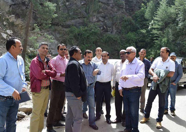 प्राकृतिक आपदाओं एवं बर्फबारी के कारण शिमला जिला को करीब 5,217.74 लाख रुपये का नुकसान