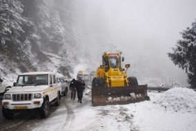 शिमला: जानें बर्फ के कारण कहाँ यातायात सुचारू तो कहाँ हुआ अवरूद्ध…