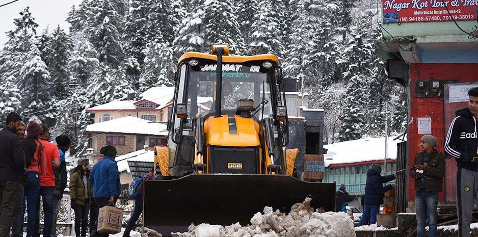 शिमला: आगामी बर्फबारी से निपटने के लिए संबंधित विभागों को दिशा-निर्देश