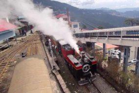 115 वर्षीय पुराना भाप इंजन में 29 ब्रिटिश सैलानियों ने शिमला से कैथलीघाट तक उठाया सफर का लुत्फ