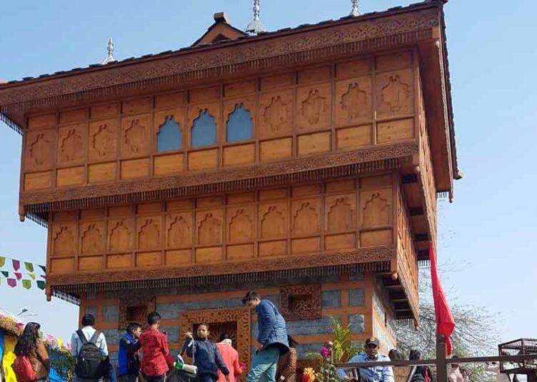 सूरजकुंड : भीमाकाली मंदिर की ओर आकर्षित हो रहे पर्यटक