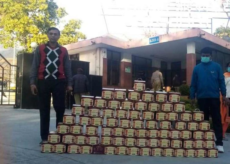 CSIR-IHBT Provides Ready to Eat Food for Migrant Workers in Bharmat Panchayat, Palampur
