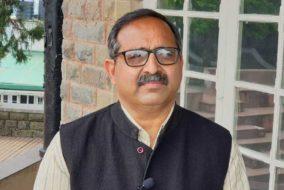 कांग्रेस के नेता अपनी राजनीति चमकाने में लगे हैं : रणधीर शर्मा